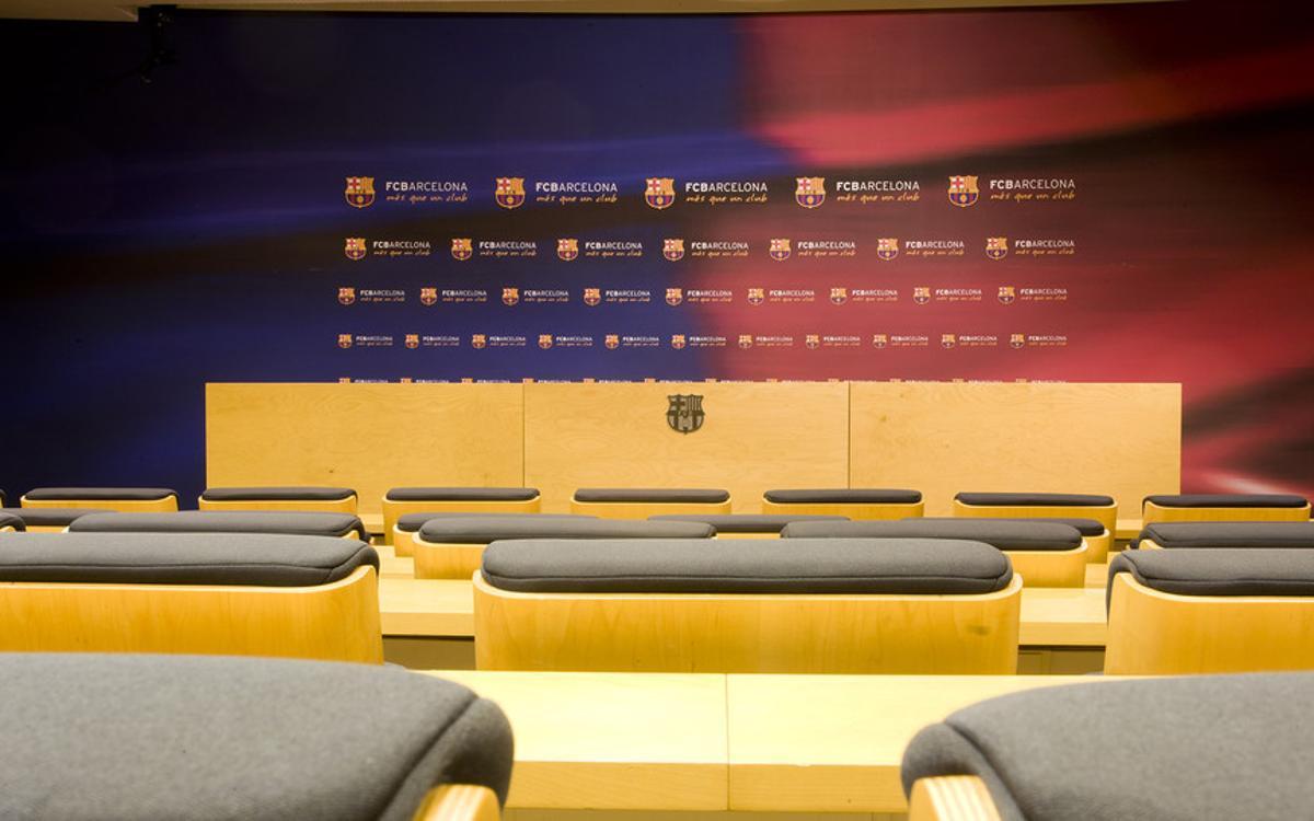 Salle de conférence de presse Ricard Maxenchs