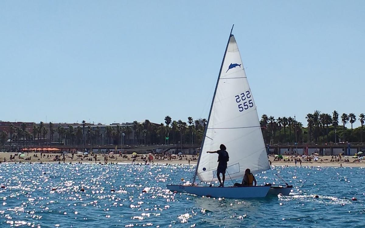 Gaudeix del mar amb les promocions del Club Patí Vela Barcelona
