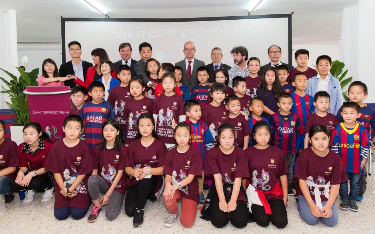 La comunidad china de Barcelona inaugura la Peña Dracs Units