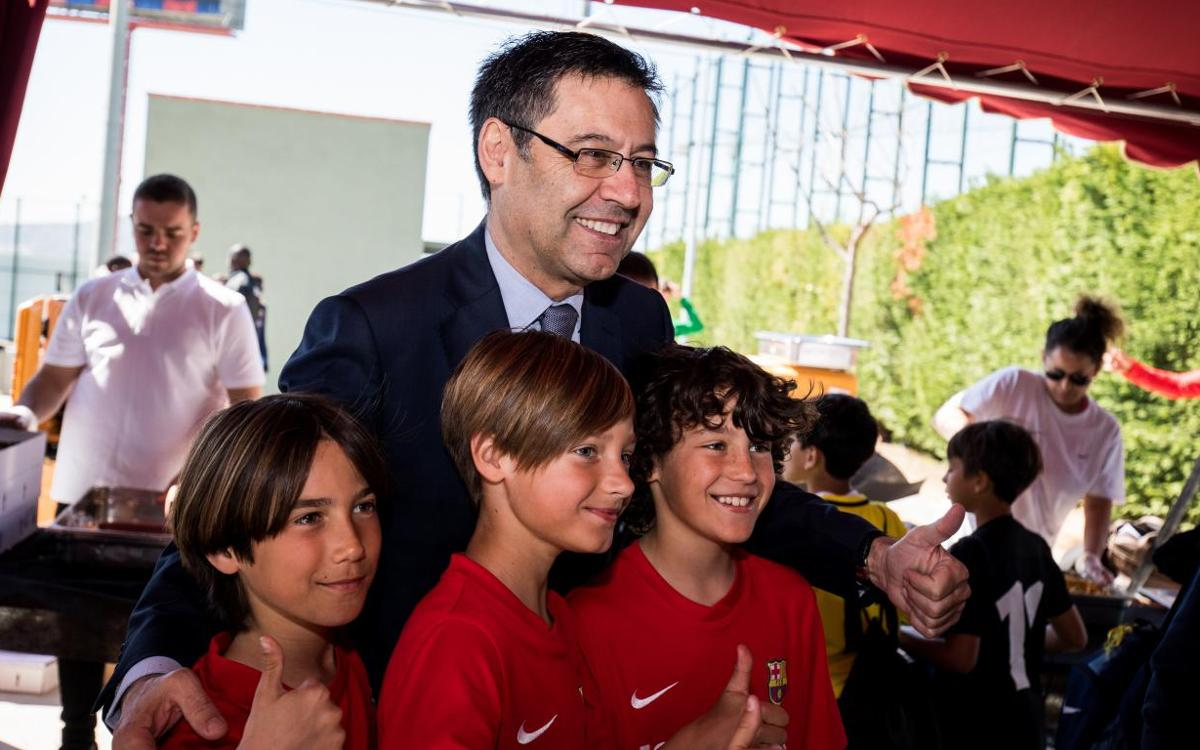 Josep Maria Bartomeu visits FCBEscola International Tournament 2018