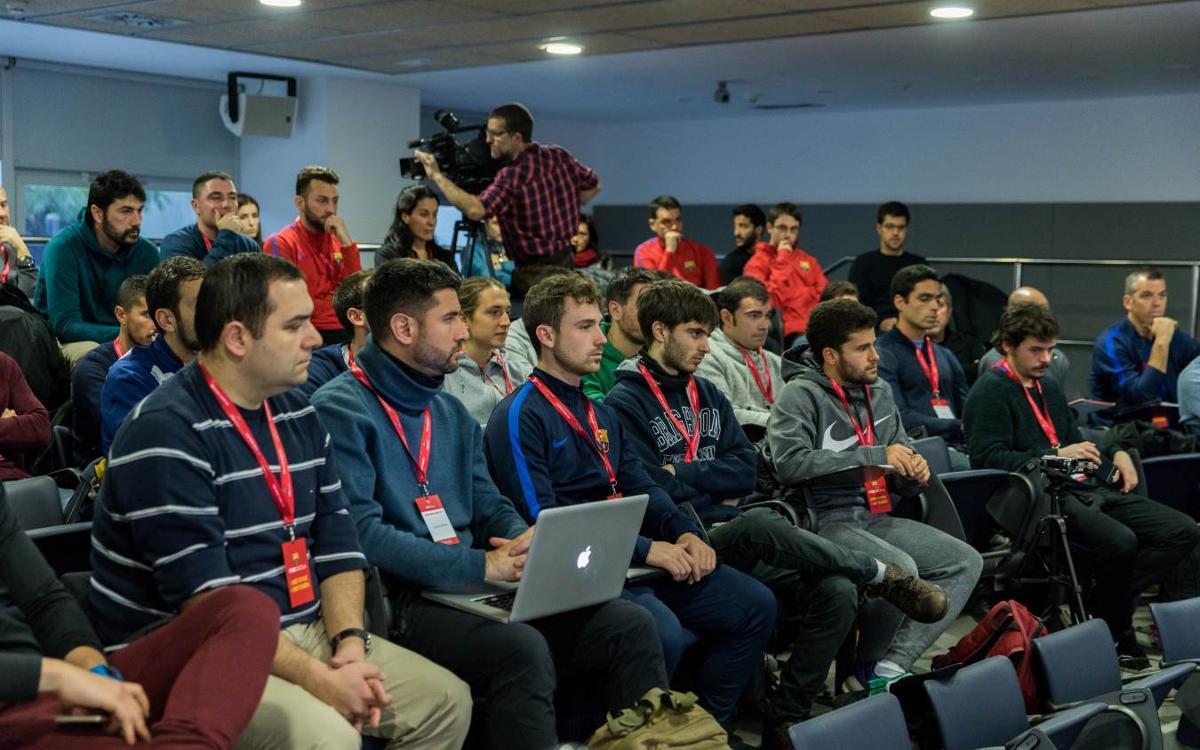 La tercera FCB Coaches Academy forma a un centenar de entrenadores
