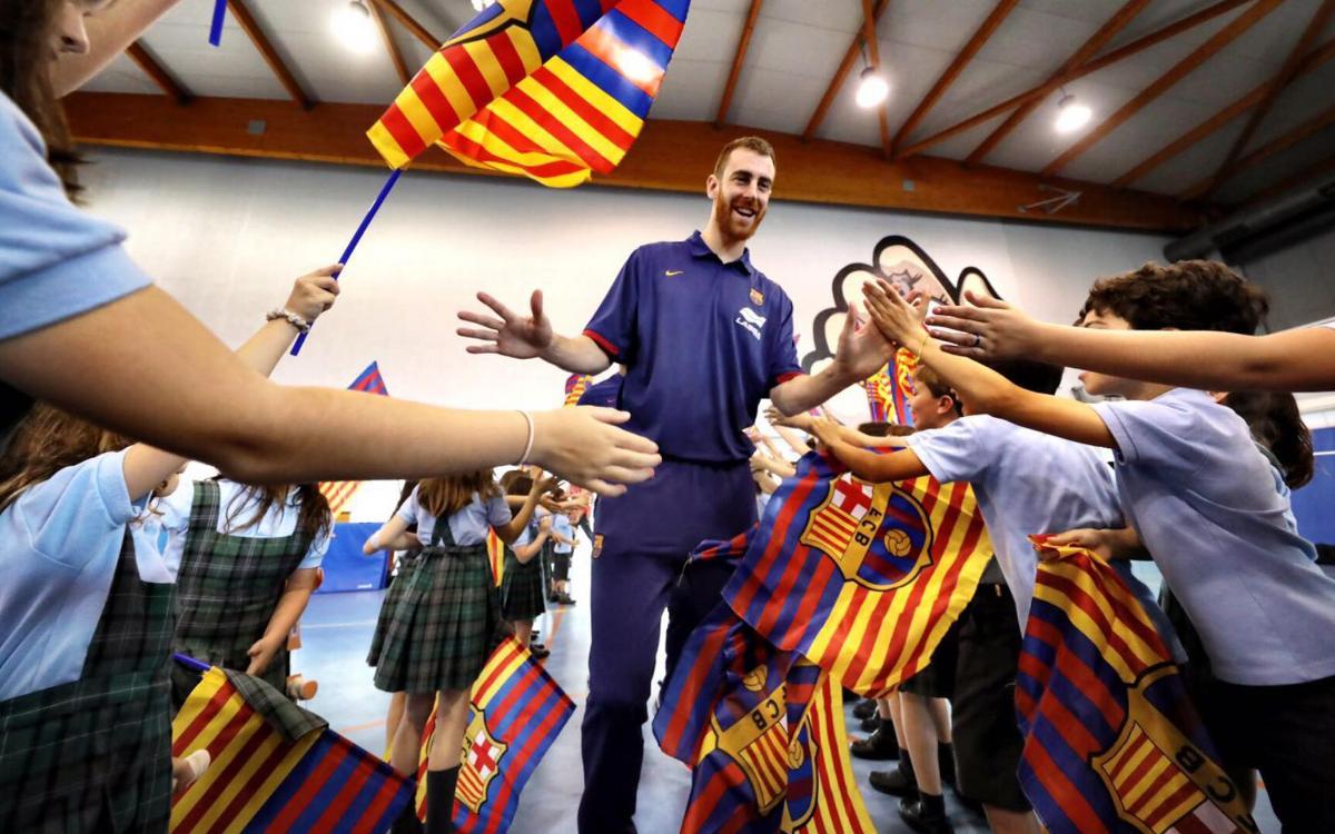 Sant Cugat recibe la visita de tres jugadores del Barça Lassa