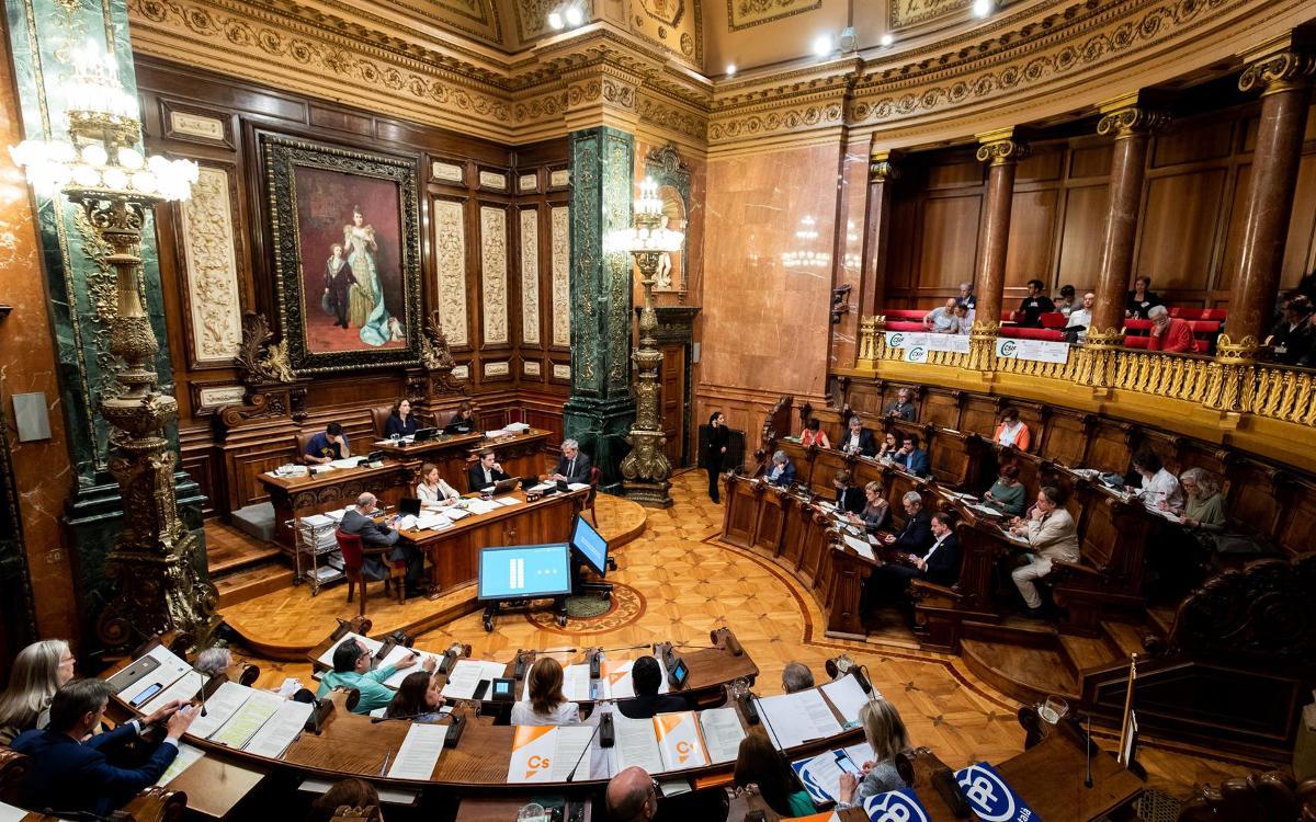El pleno del Ayuntamiento aprueba con un amplio consenso el planeamiento urbanístico que hará posible el Espai Barça