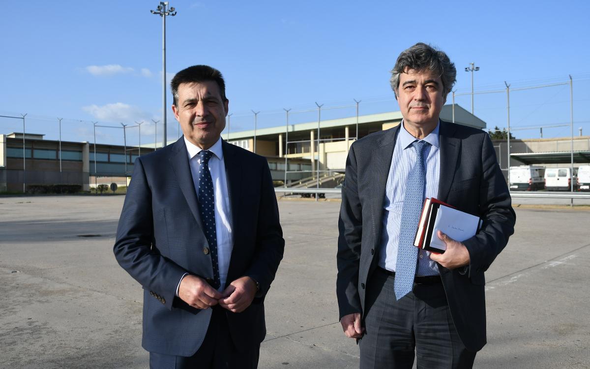La Confederación Mundial de Peñas visita al expresidente Rosell con motivo de la Final de la Copa del Rey