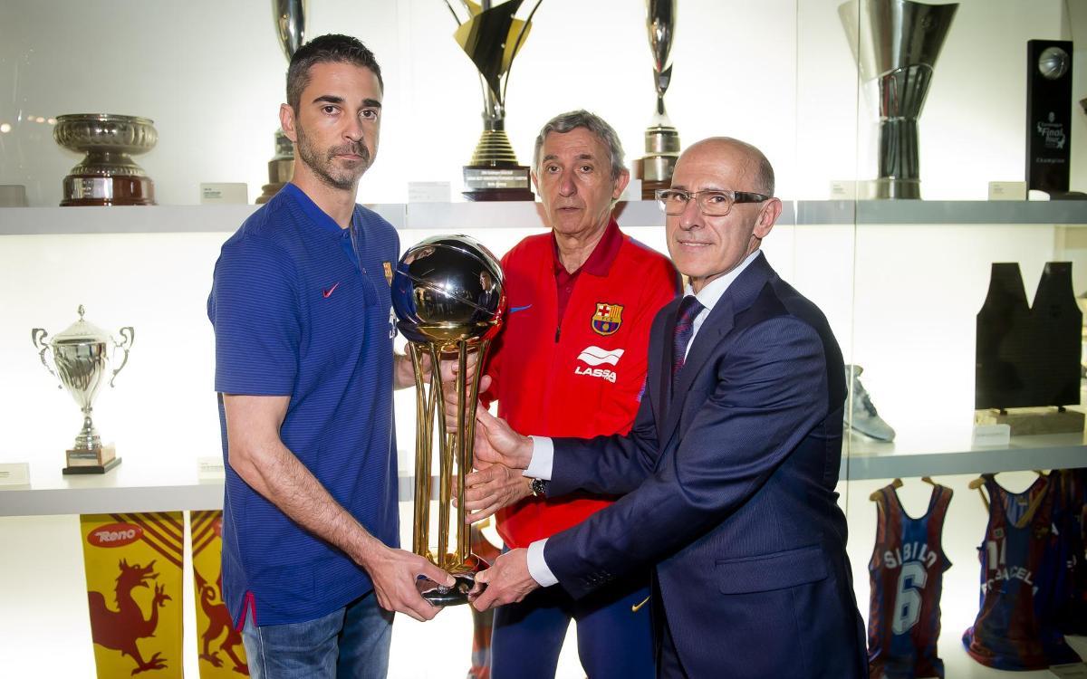 El Barça Lassa entrega la Copa del Rei al Museu del Barça