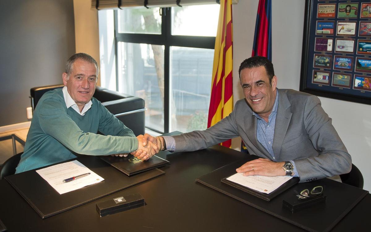 Andreu Plaza signa la renovació fins al 2020