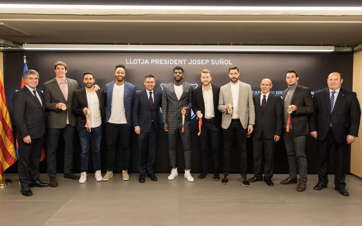 Els jugadors del Barça Lassa d'handbol medallistes de l'Europeu, protagonistes a la Llotja President Suñol