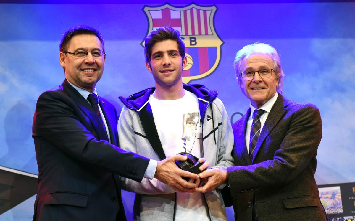 Sergi Roberto receives Barça fair play award
