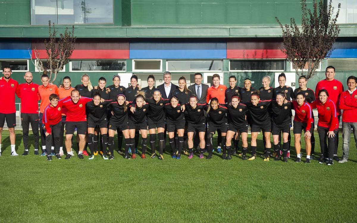 Bartomeu y Mestre visitan el entrenamiento del Barça Femenino