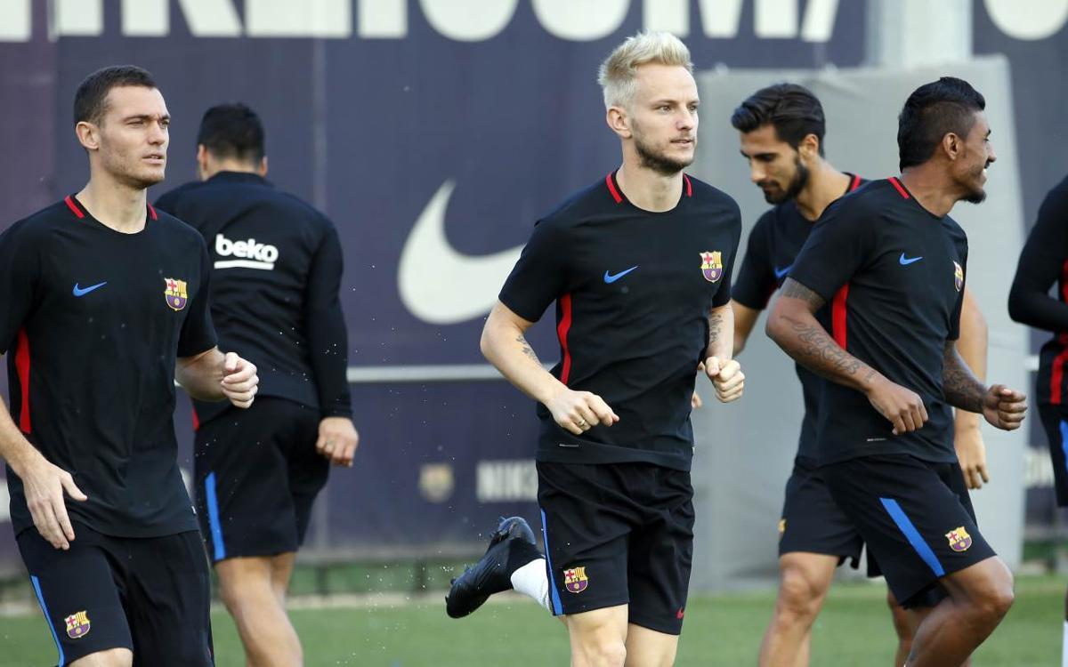 Digne, Aleix Vidal et Vermaelen, dans le groupe face à Eibar avec le FC Barcelone