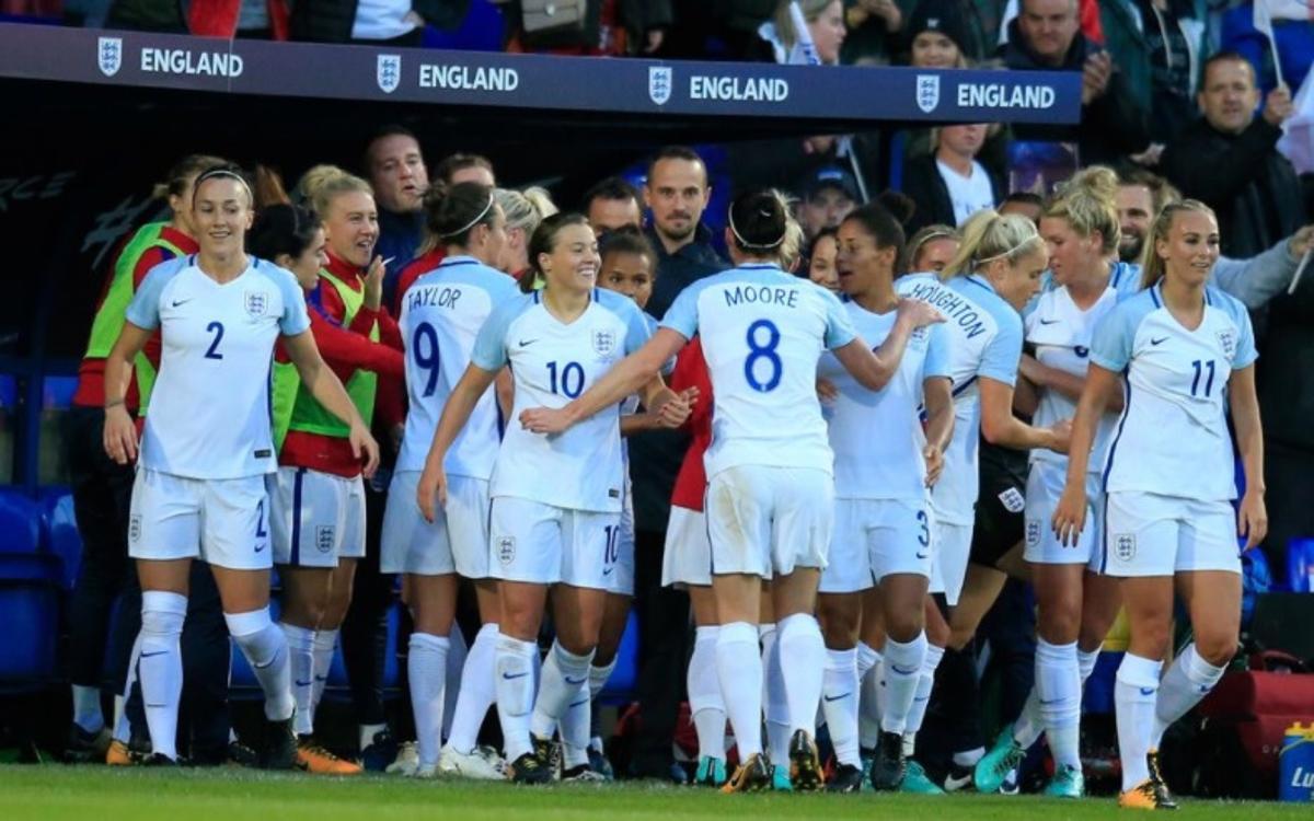 Doblete de Duggan en la goleada de Inglaterra a Rusia (6-0)