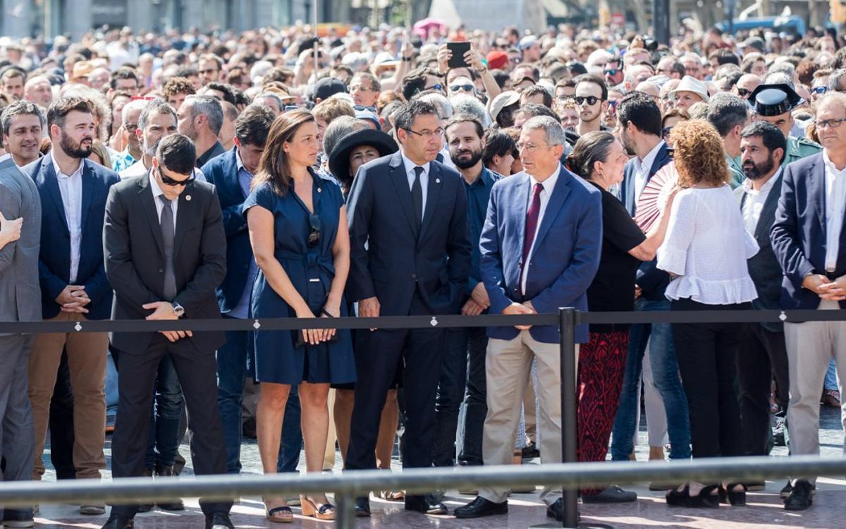 FCバルセロナ、テロによる犠牲者に1分間の黙祷