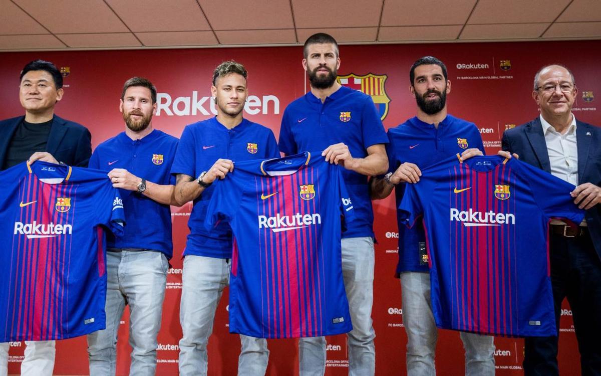 FCバルセロナ、日本で Rakutenとの提携を発表
