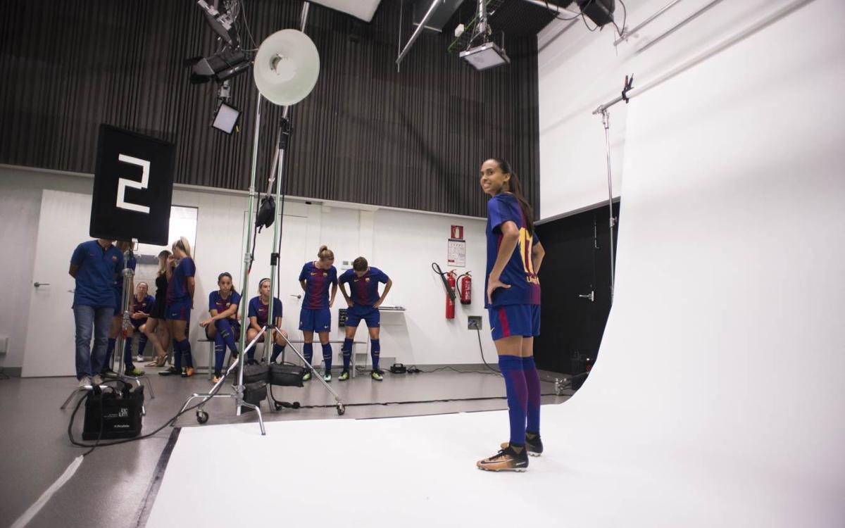 La sesión de fotos individuales oficiales del Barça Femenino