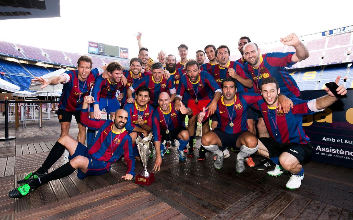 Cloenda de la Lliga de Socis a la gespa del Camp Nou