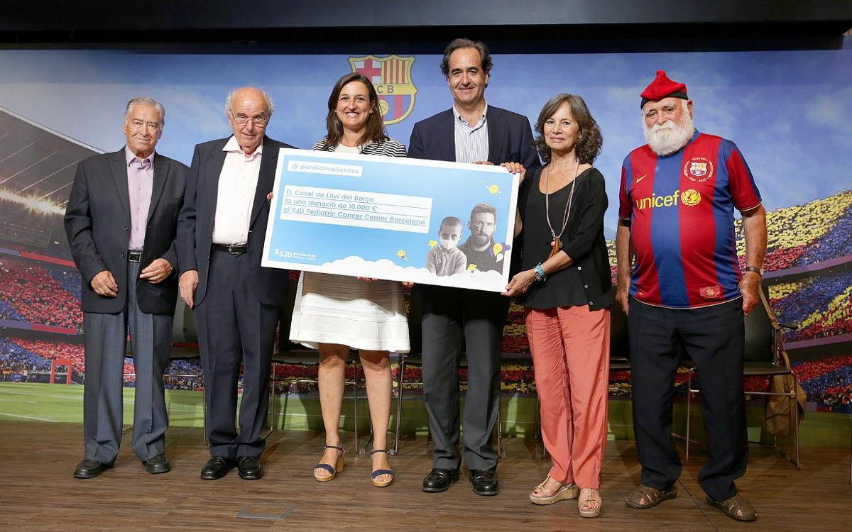 El Casal de l'Avi Barça entrega 10.000 € a favor de la creación del futuro SJD Pediatric Cancer Center