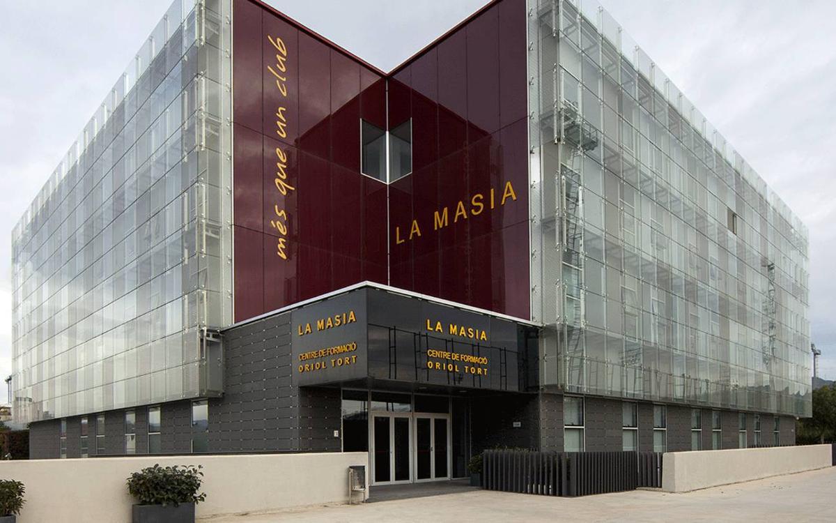 El FC Barcelona gana el caso instado por MCM Publicidad, SL por la explotación de la fachada de la Masía