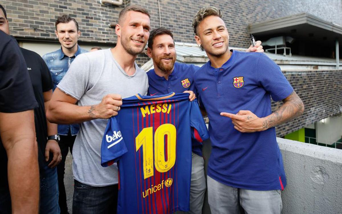 Première apparition publique des joueurs du FC Barcelone avec le maillot Rakuten