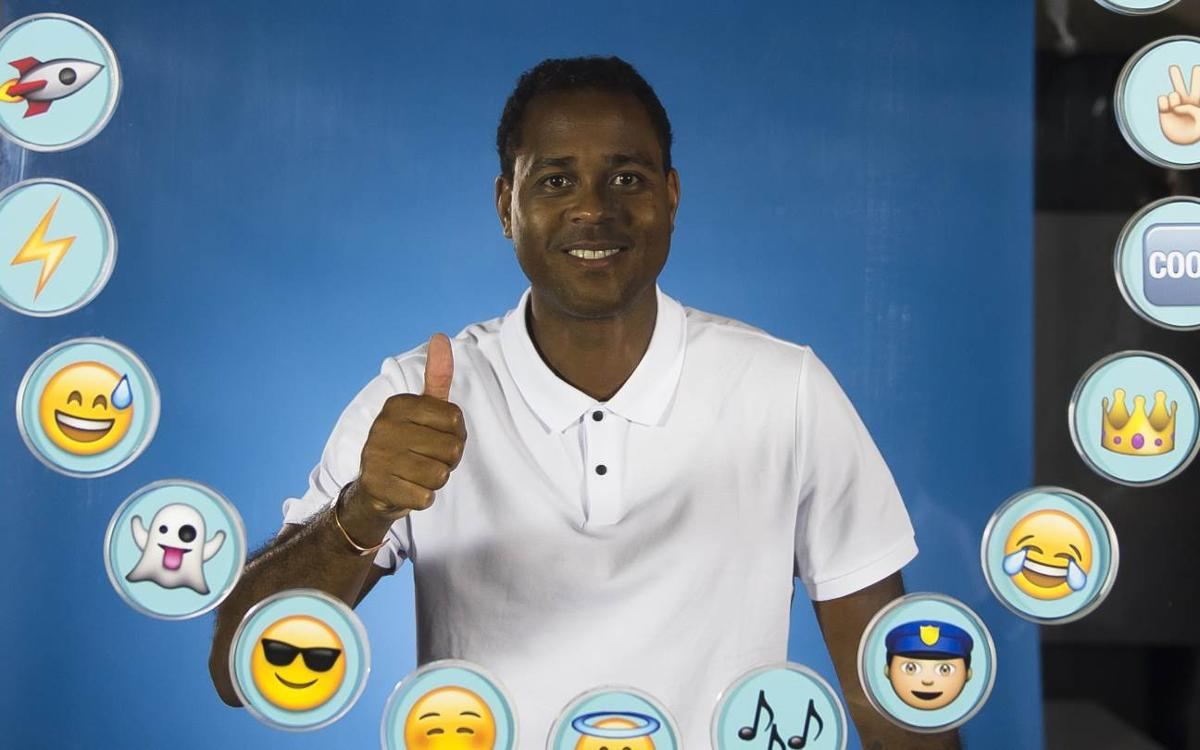 Patrick Kluivert picks emojis for his team-mates