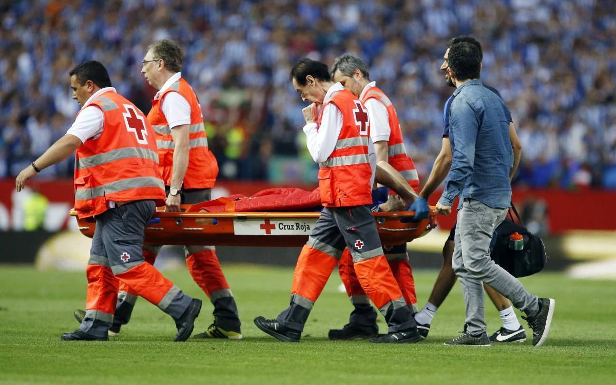 Mascherano suffers cut to the head and knee injury