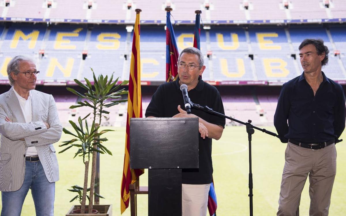 L'agrupació Barça Jugadors celebra el comiat de temporada al Camp Nou
