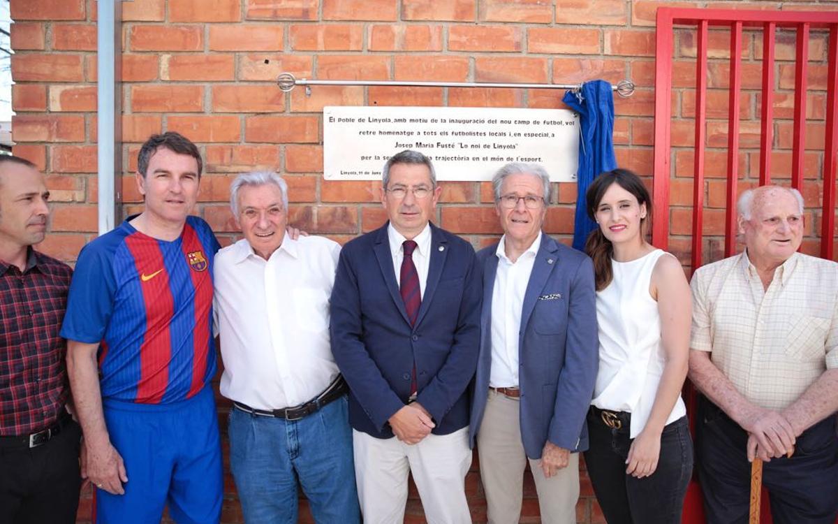 El Barça, al costat de Josep Maria Fusté en la inauguració del nou camp de futbol de Linyola