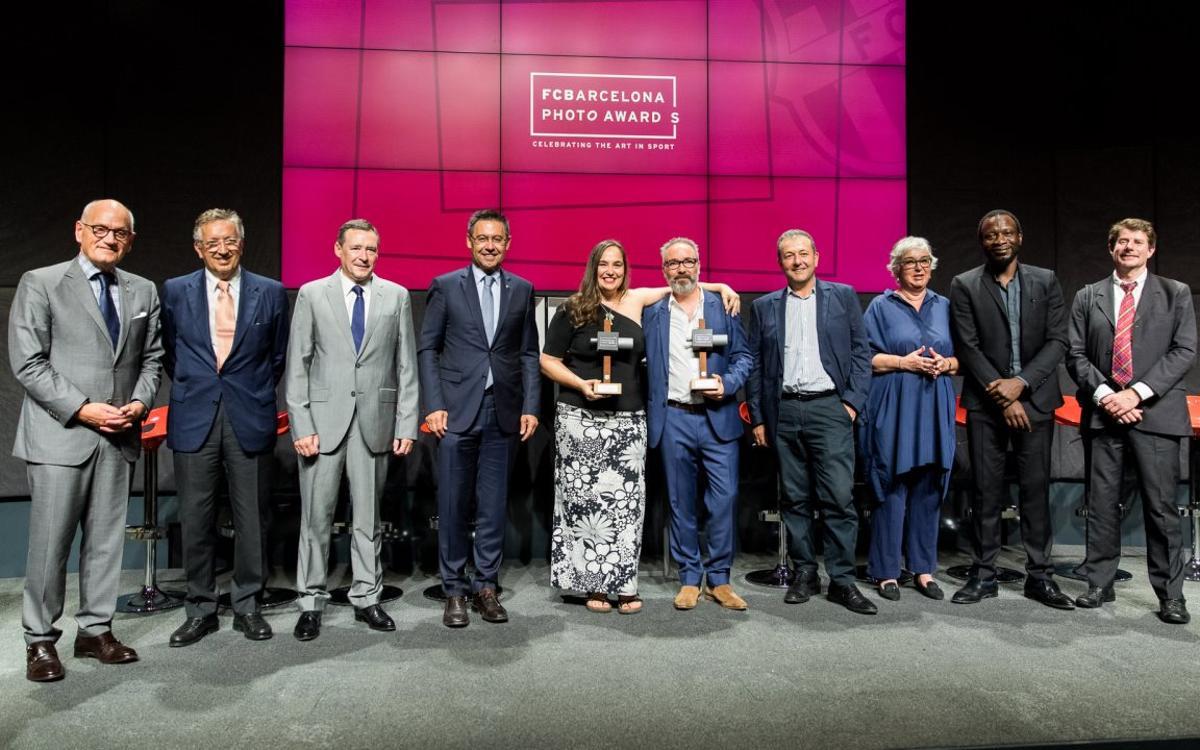 Photographer Craig Easton and artist Cristina de Middel receive 2017 FC Barcelona Photo Awards