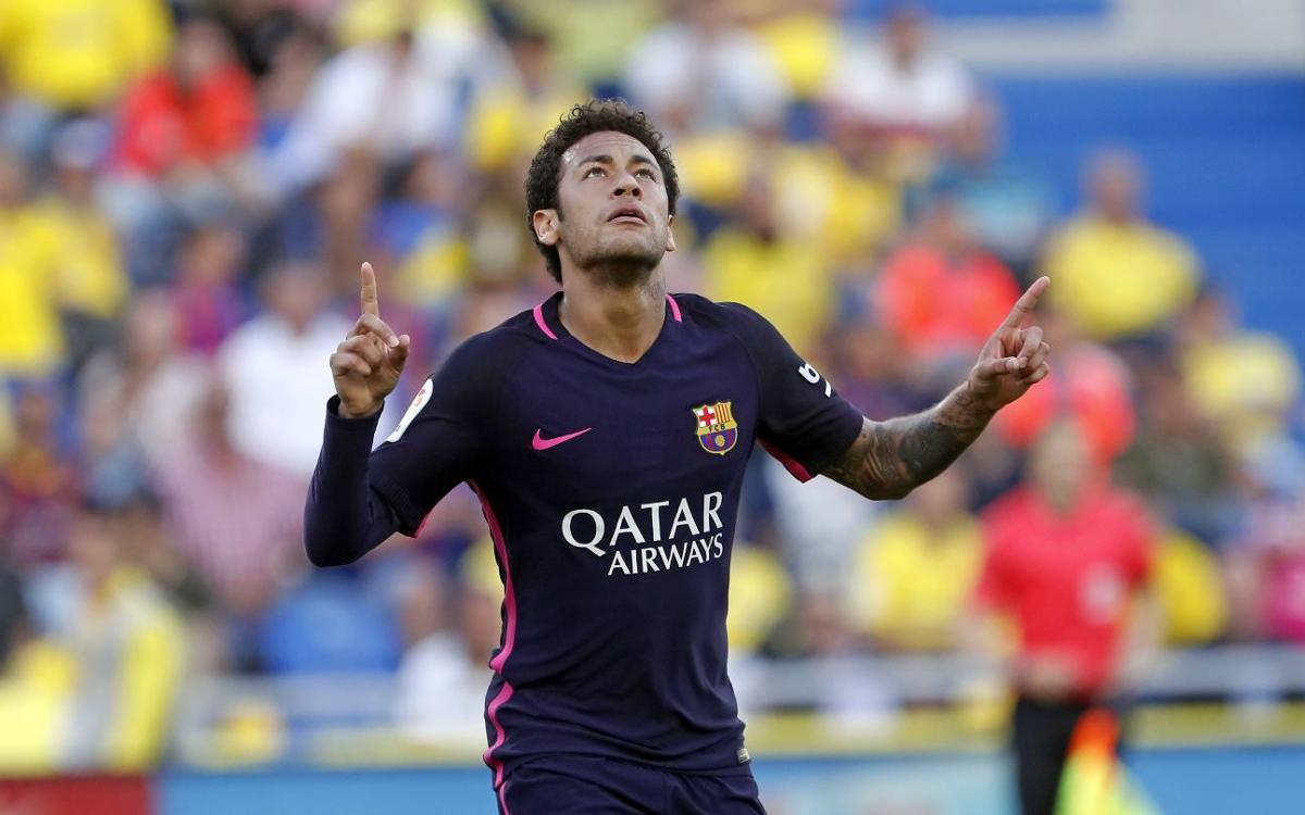 UD Las Palmas 1-4 FC Barcelona: Big win keeps the heat on