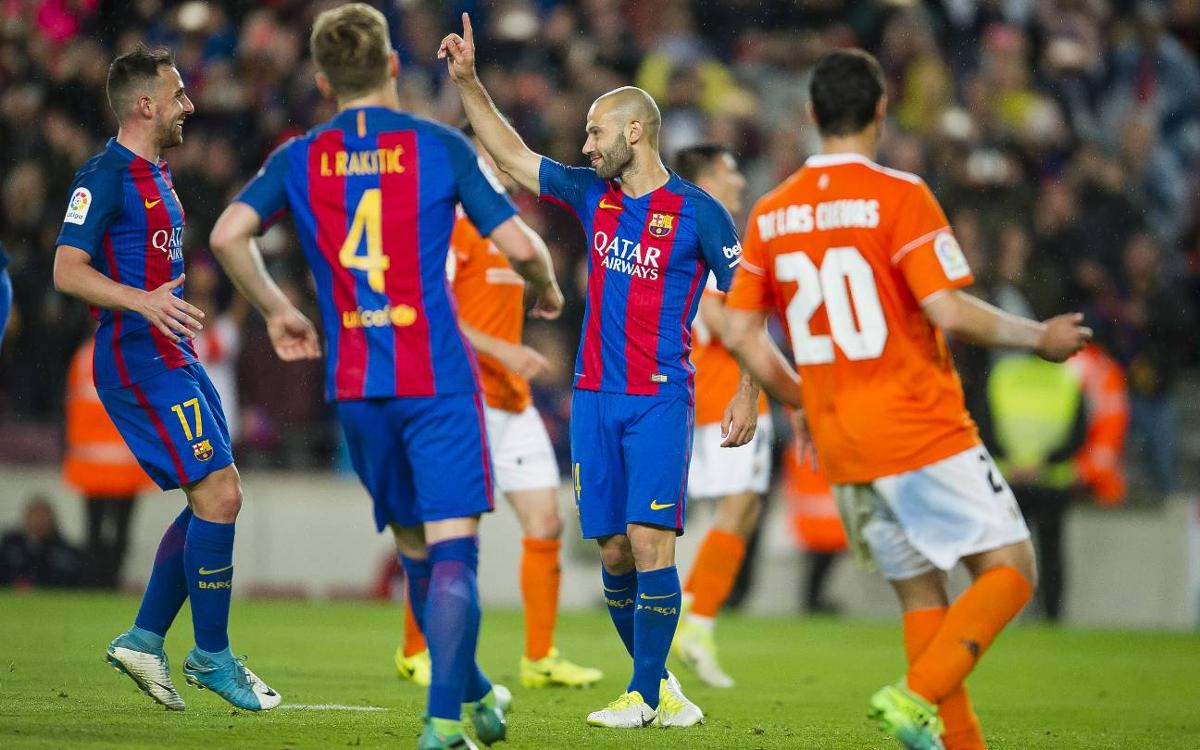 Javier Mascherano scores his first goal for FC Barcelona