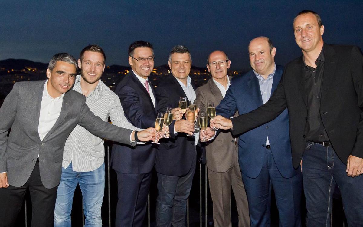 El Barça Lassa celebra la Liga Asobal con una cena