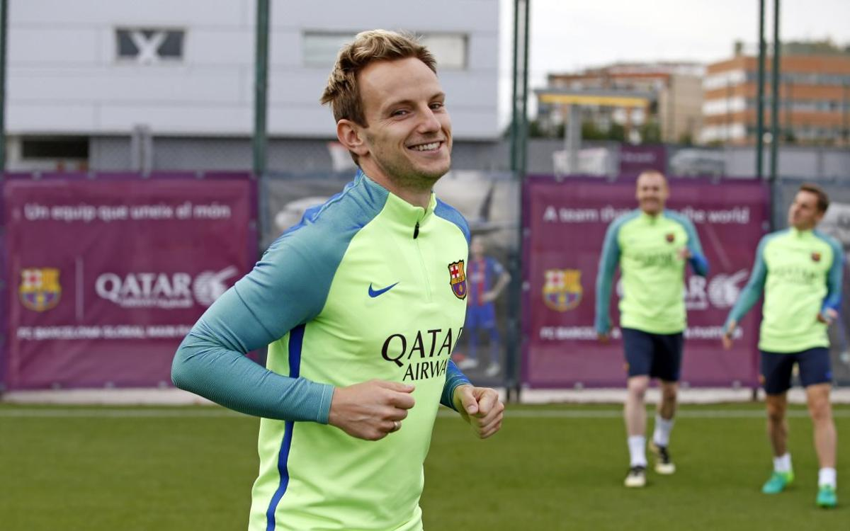 Rakitic and Mascherano return to training