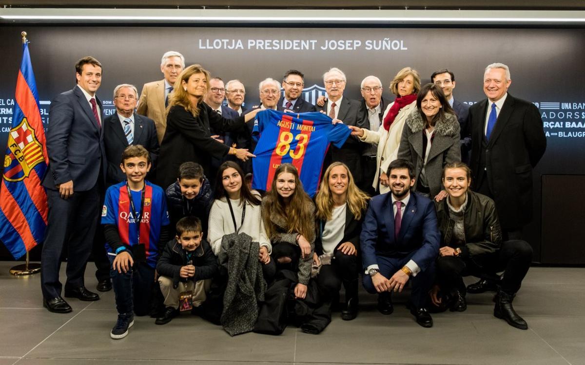El Camp Nou recuerda al presidente Agustí Montal, al vicepresidente Jaume Llauradó y al ex jugador Ángel Oliveros