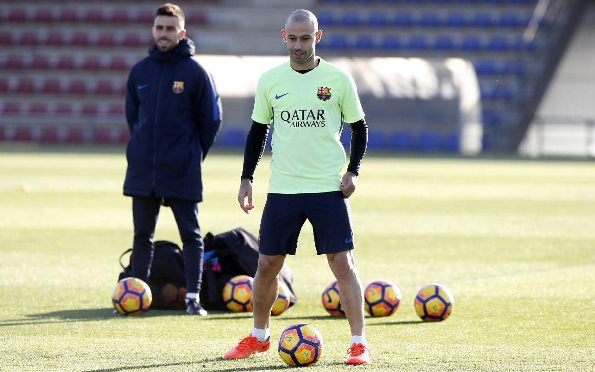 Javier Mascherano back in squad for game against Sporting Gijón