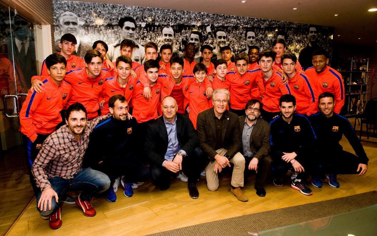 El Cadet B visita el Museu i l'Agrupació Barça Jugadors