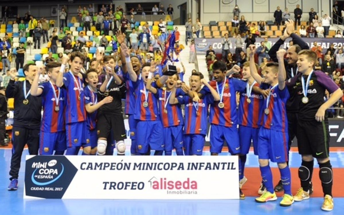¡El Infantil gana la Mini Copa!