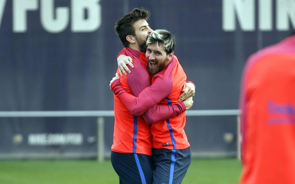 Tres en ratlla: Messi, Piqué i Neymar contra Iniesta, Busquets i Denis