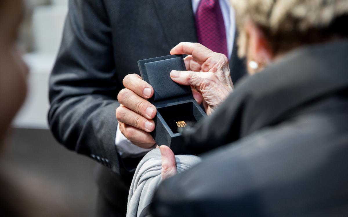 Insígnies d'or per agrair 50 anys de fidelitat blaugrana