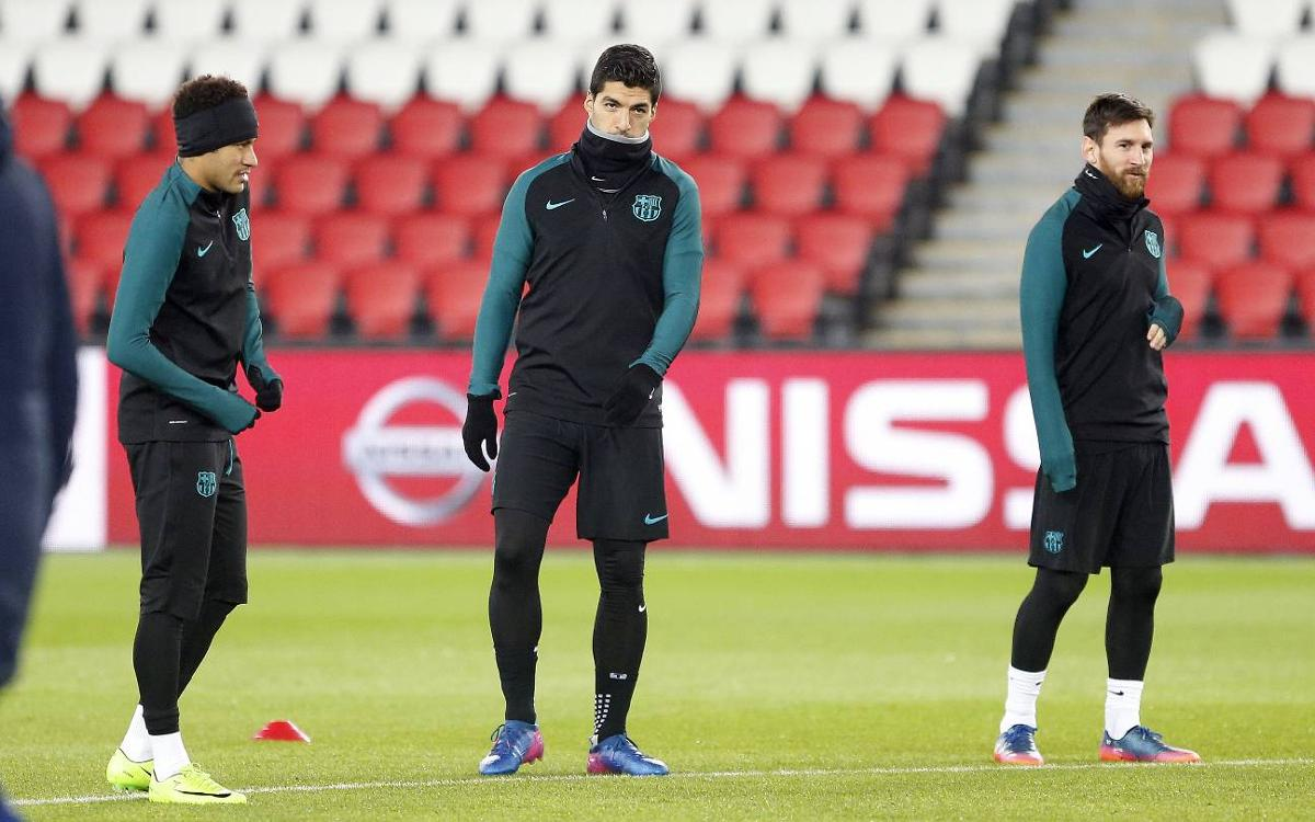 FC Barcelona train at the Parc des Princes before PSG match