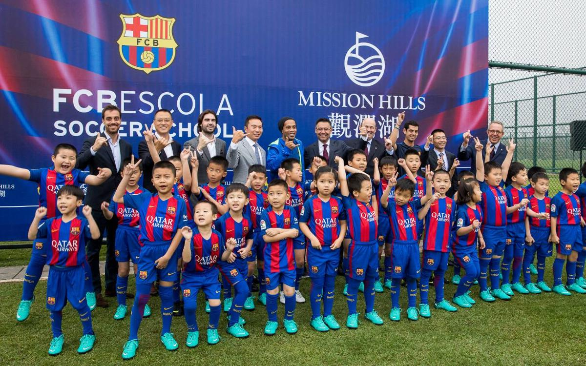 El FC Barcelona comienza la visita institucional en China rodeado de una gran expectación mediática