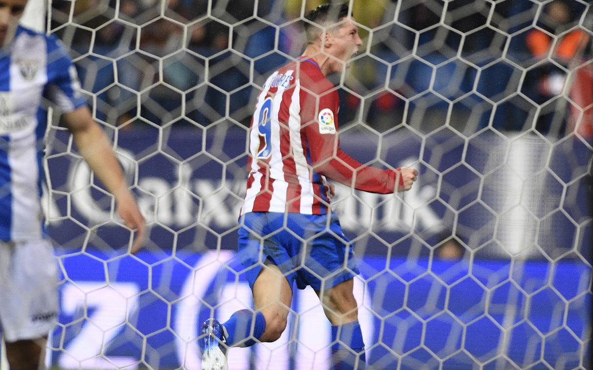 RIVAL WATCH: Barça one point off top after Real Madrid game is postponed, Torres brace secures Atlético victory
