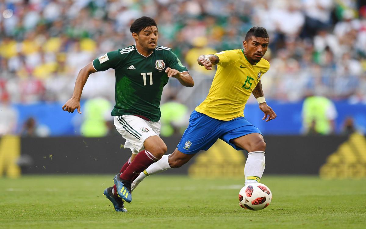 Coutinho and Paulinho, into the quarters