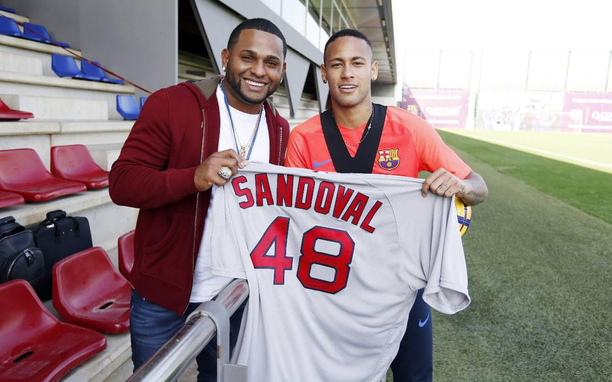 Boston Red Sox third baseman Pablo Sandoval visits FC Barcelona's training session