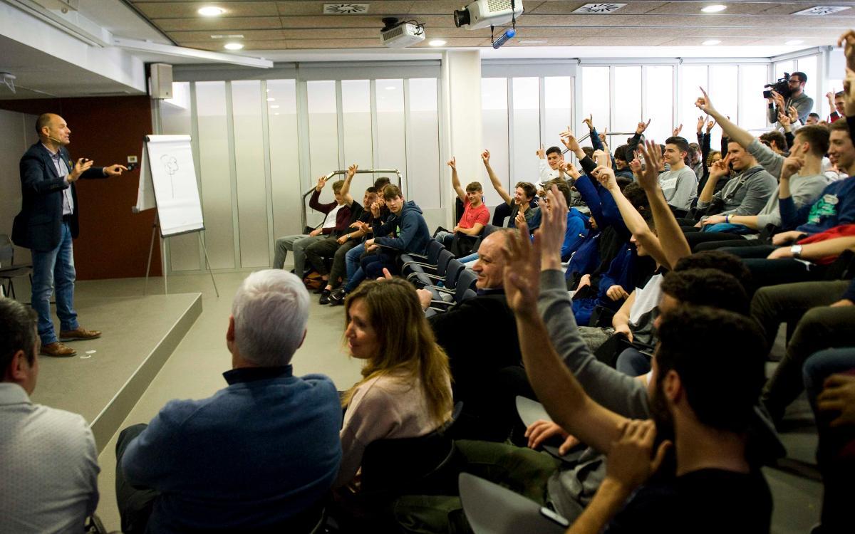 Conferencia de Ramon Fauria en la Residencia Masía