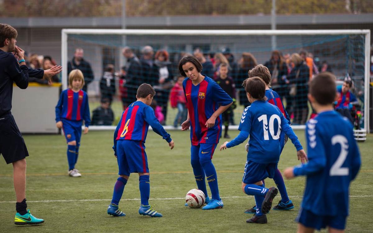 La cantera del Barça apoya al fútbol inclusivo