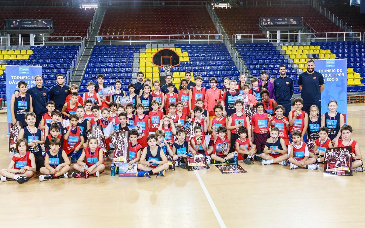 Los más jóvenes disfrutan de la primera edición del Torneo de Baloncesto para socios