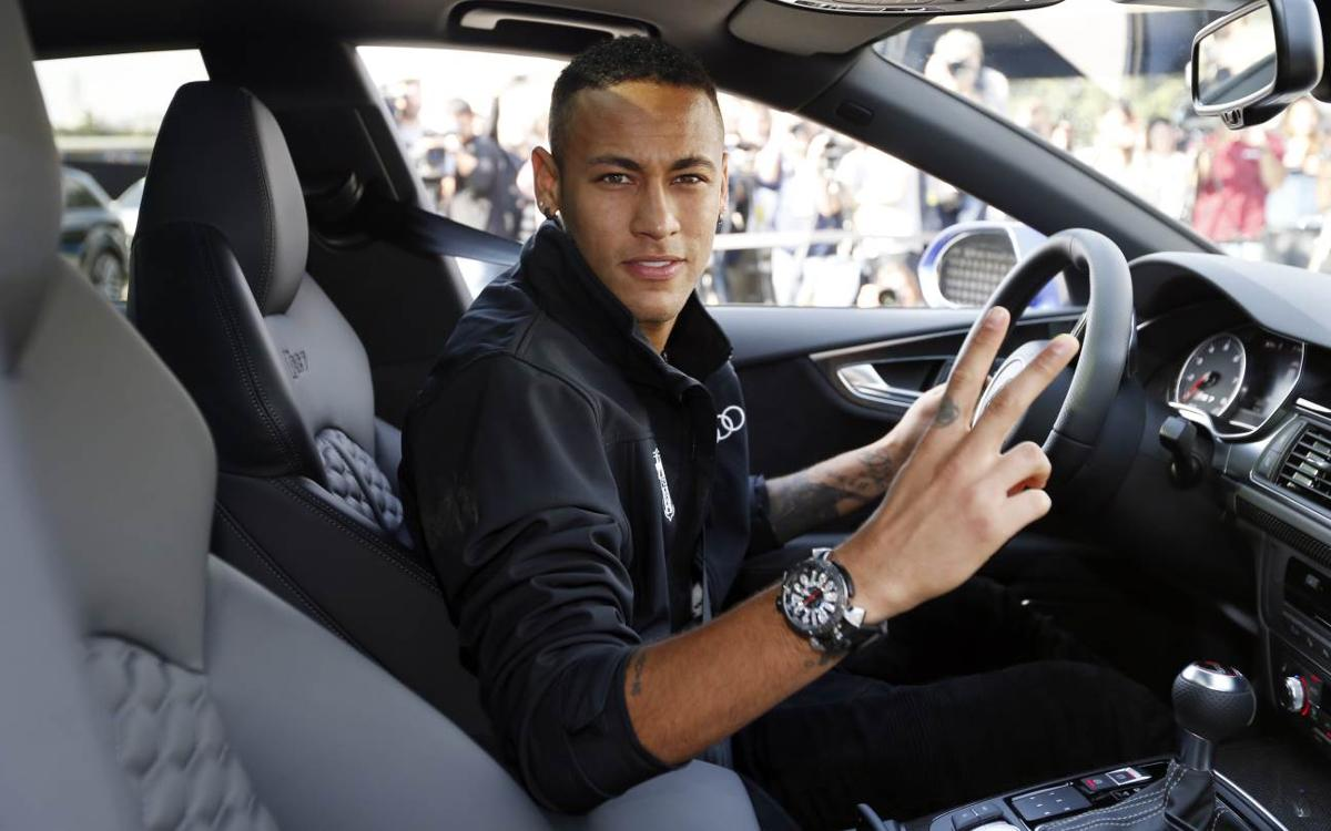 The FC Barcelona players get their new Audis