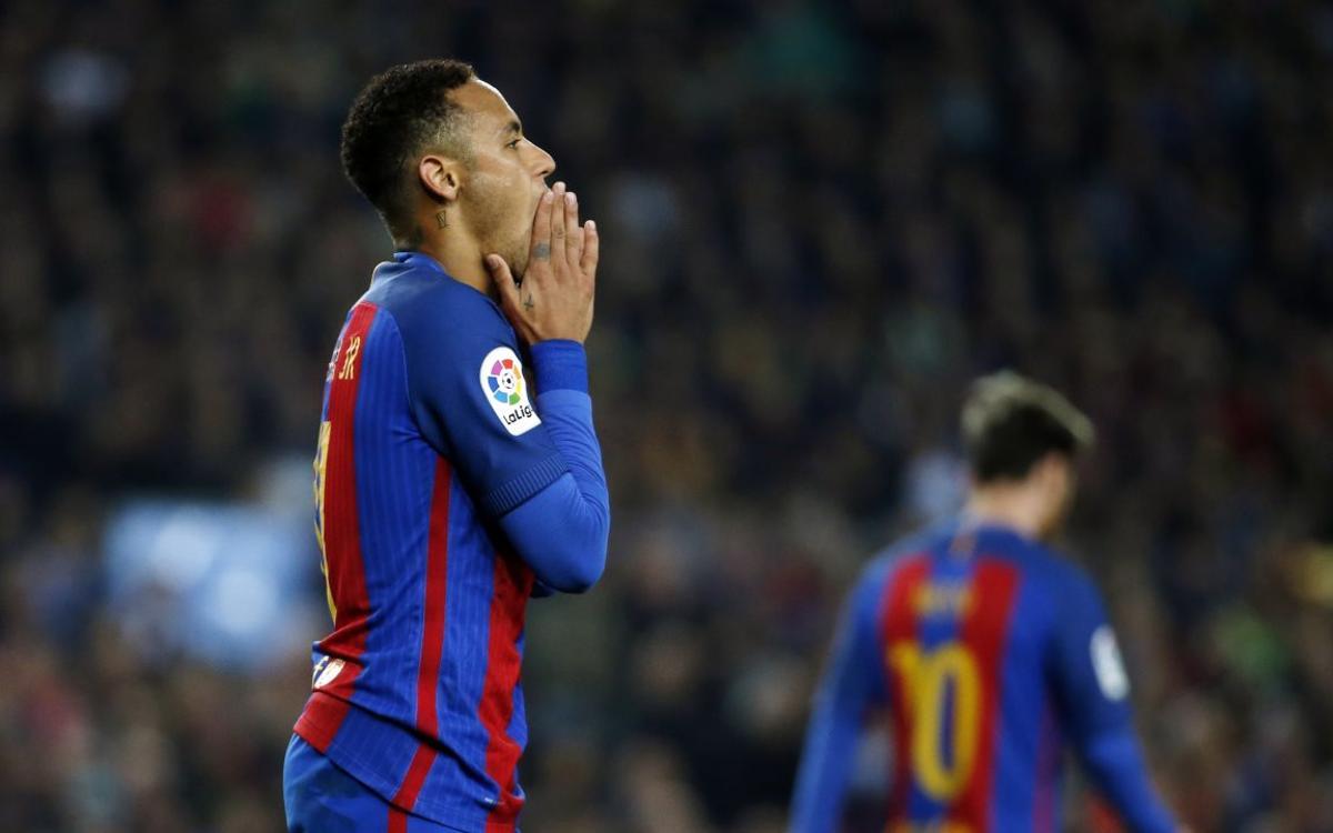 Neymar Jr, con molestias por sobrecarga