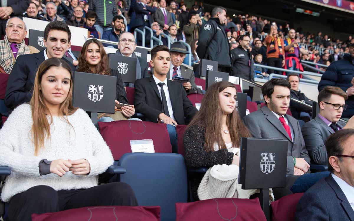 Diez jóvenes socios seguirán el Barça-Espanyol desde el palco presidencial del Camp Nou