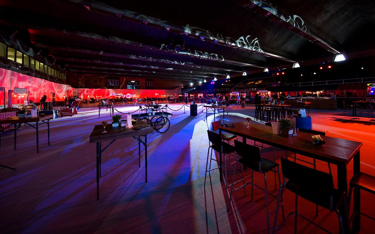 La pista de hielo y la Masía se convierten en salas VIP durante el Clásico