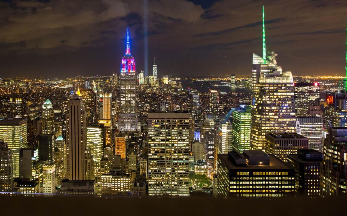 FC Barcelona lights up New York skyline